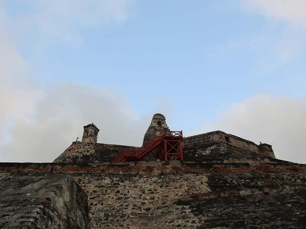 things to do in cartagena castillo san felipe