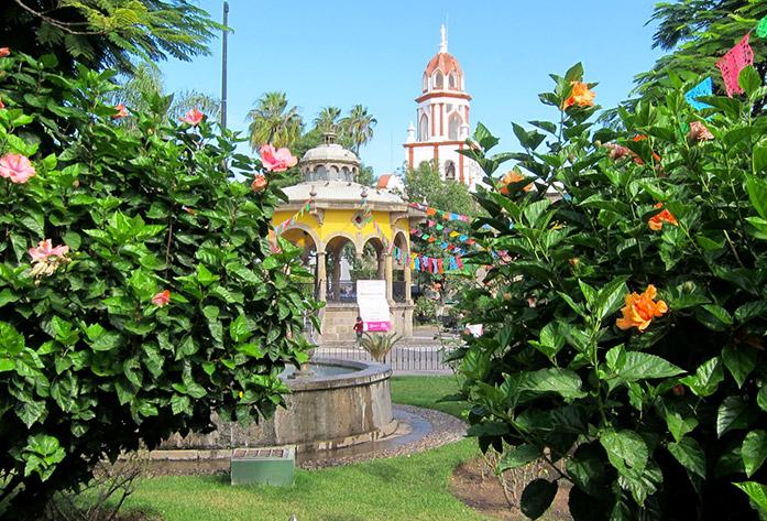 jardin hidalgo tlaquepaque