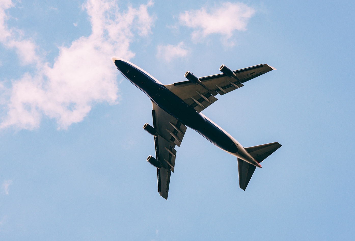 travel toiletries for men plane
