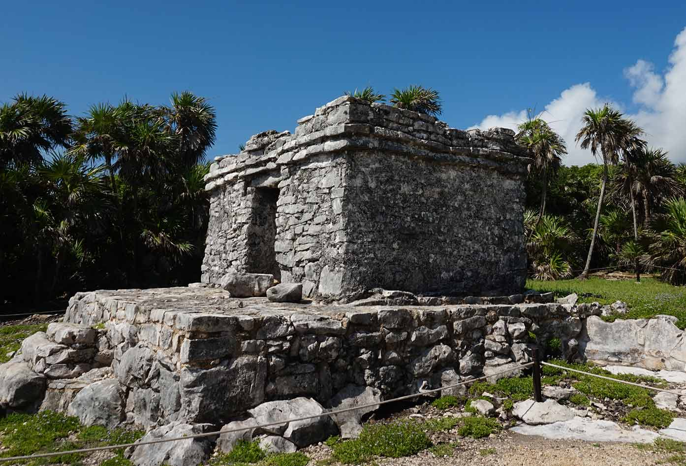 how to get to the tulum ruins