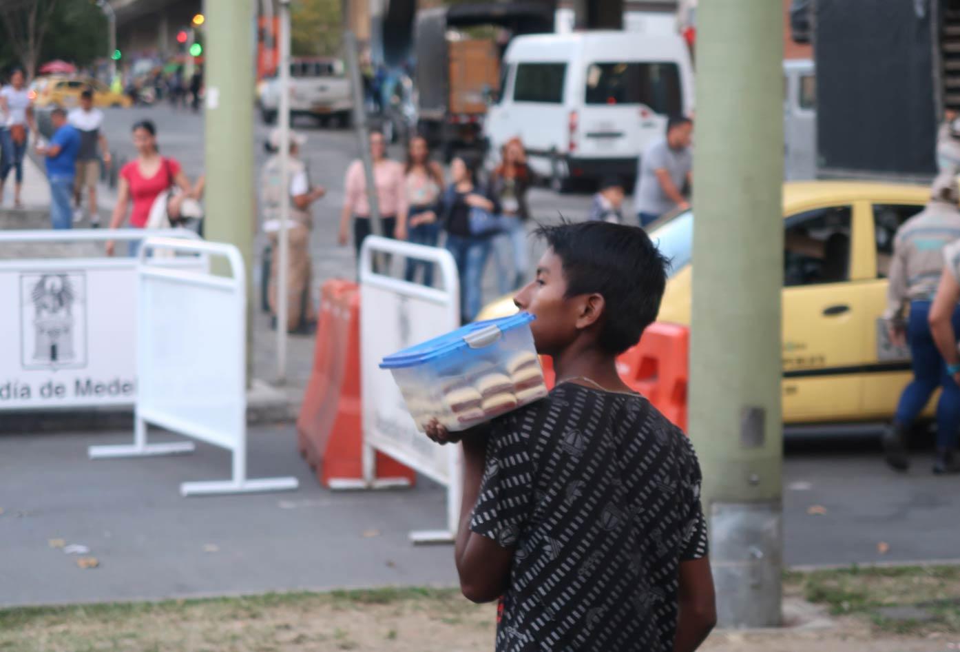 medellin street vendor