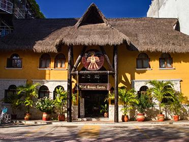 playa del carmen mexico hostels