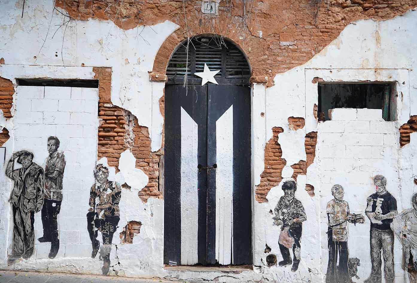 la puerta de la bandera