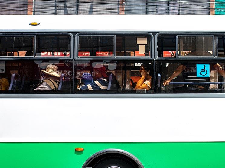 bus in ecuador