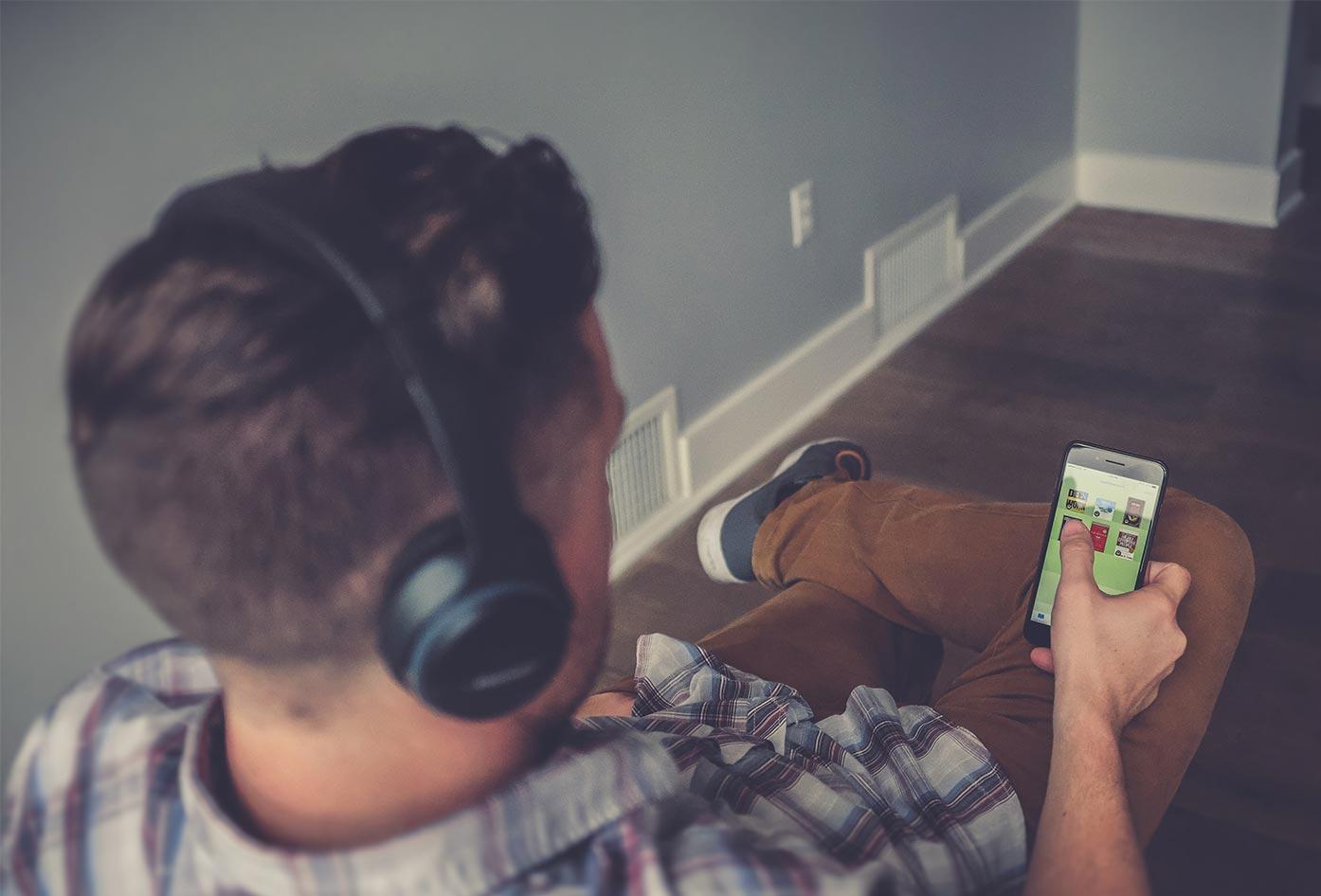 spanish audiobook listening