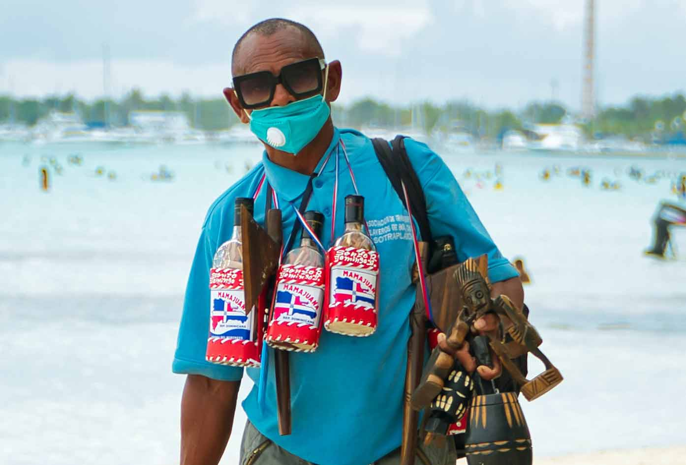 dominican republic beach vendor